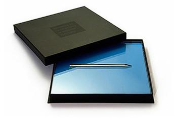 ZAPS zlati svinčnik logo